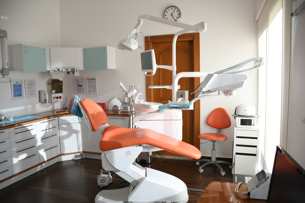 surgical vs non-surgical root canal